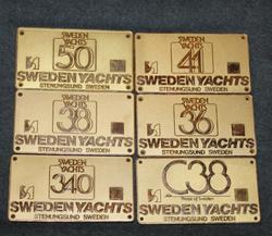 Veneen typpikilpi. Sweden Yachts, Stenungsund, Sweden.