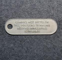Lämnas mot hittelön till polisens tekniska rådfrågningsbyrå Göteborg. Keychain
