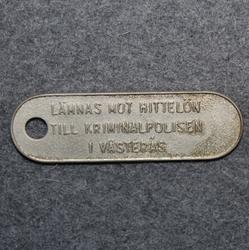 Lämnas mot hittelön till kriminalpolisen i Västerås. Keychain