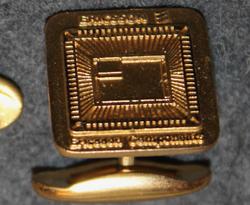 Ericsson Components. Kalvosinnappi