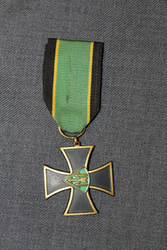 Armoured Division Cross, early type.
