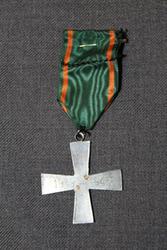 Border jaeger Cross