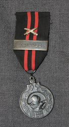Commemorative medal of Winter war + taipale bar + swords.
