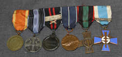 Medal bar of 6 medals for 2 war veteran.
