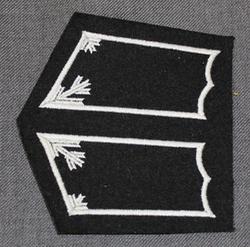 Collar tabs, Armour. Finland.