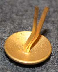 Bergesen d.y. Laivayhtiö. 16mm, kullattu, lakkinappi