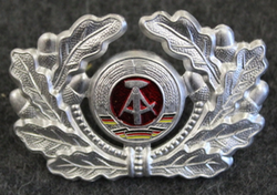 DDR, NVA cap badge.