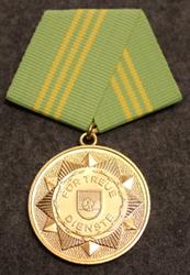 DDR Medaille für treue Dienste in den bewaffneten Organen des Ministeriums des Innern, Itäsaksalainen mitali. 15 v palvelus.