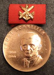 DDR Ernst-Schneller-Medaille, Itäsaksalainen mitali. pronssi