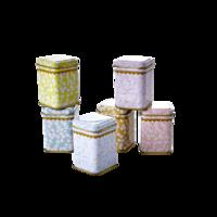 Pieni kukallinen peltipurkki, eri värejä