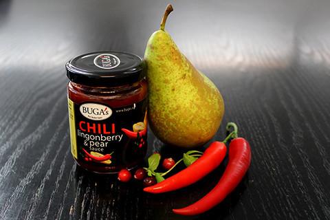 Chili-puolukka-päärynä kastike
