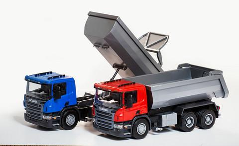 EMEK 3-akselinen Scania maansiirtoauto, sininen P 370