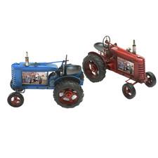 Traktori 1760 punainen