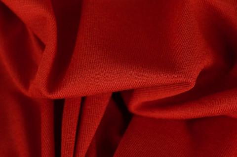 Viskoosi trikoo, Punainen