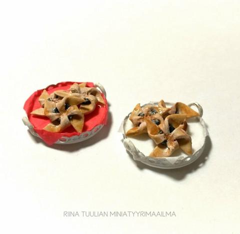 Nukkekodin Joulutortut (3kpl) tarjottimella (punainen tai valkoinen)