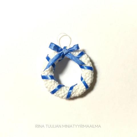 Nukkekodin Talvikranssi - Sinivalkoinen
