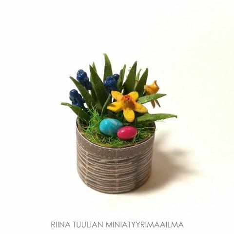 Nukkekodin Pääsiäisasetelma (keskikoko)