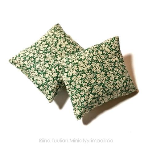 Nukkekodin Sisustustyynyt, 2 kpl/pkk - Kukkakuvio vihreä