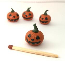 Miniatyyri Halloween -kurpitsa (1 kpl /pkt)