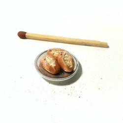 Nukkekodin Puikulasämpylät lautasella